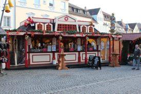 Weihnachtsmarkt Front fern
